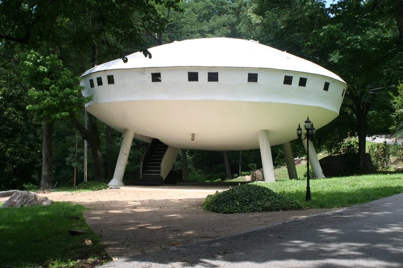 Space-Ship-House-Tennessee